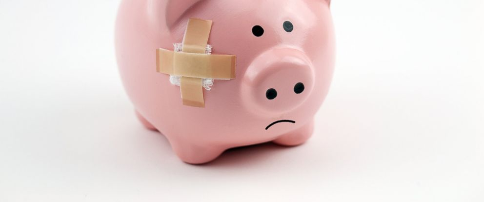 """PHOTO: They say """"time heals all wounds."""" Is the same true for credit mistakes?"""