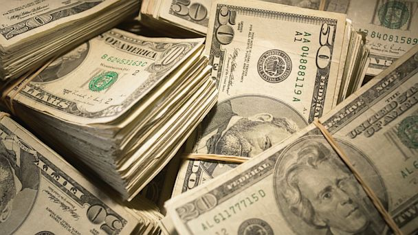 PHOTO: Financial Freebies