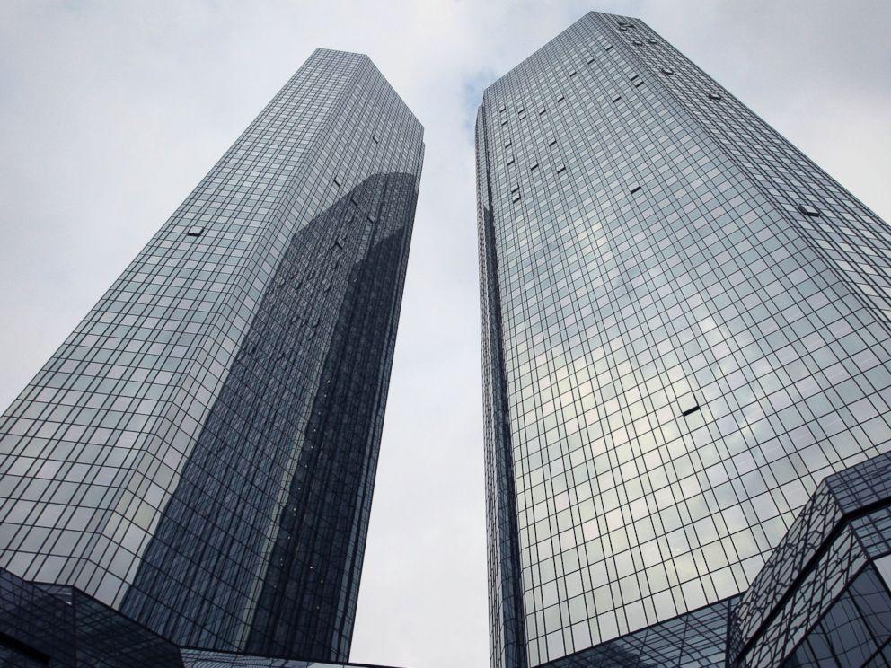 PHOTO: The headquarters of Germanys biggest lender Deutsche Bank is seen in Frankfurt, Germany, Oct. 29, 2015.
