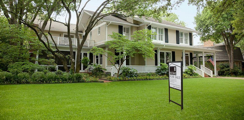 PHOTO: house, sale, home, mortgage