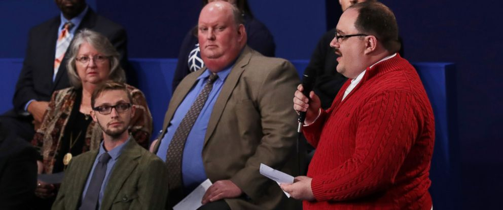 PHOTO: Ken Bone asks a question during the town hall debate at Washington University on Oct. 9, 2016 in St Louis, Missouri.