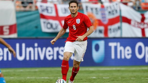 PHOTO: Frank Lampard of England