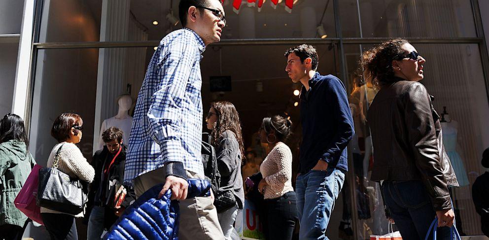 PHOTO: shopping, consumer, shopper, GDP