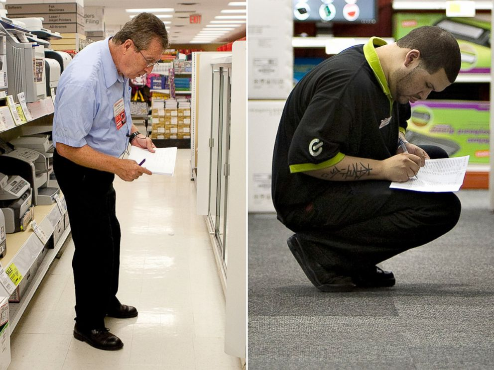Staples vs office depot how the two stack up abc news photo an employee checks inventory at an office depot left and a staples solutioingenieria Image collections