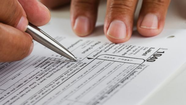 PHOTO: If you want to have a tough tax season, just make one of these five serious tax errors. <p itemprop=