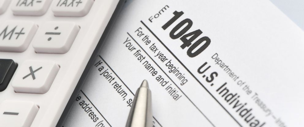 PHOTO: A tax return form is seen in this undated file photo.