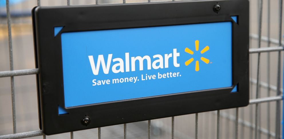 PHOTO: The Walmart logo is displayed on a shopping cart at a Walmart store on Aug. 15, 2013 in Chicago, Illinois.