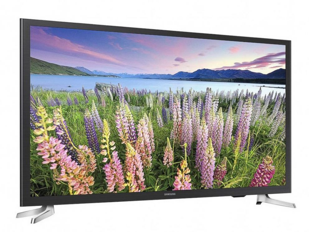 PHOTO: Amazon Prime members will be able to purchase brand-name 32-inch Smart HDTVs for under $200 on Prime Day.