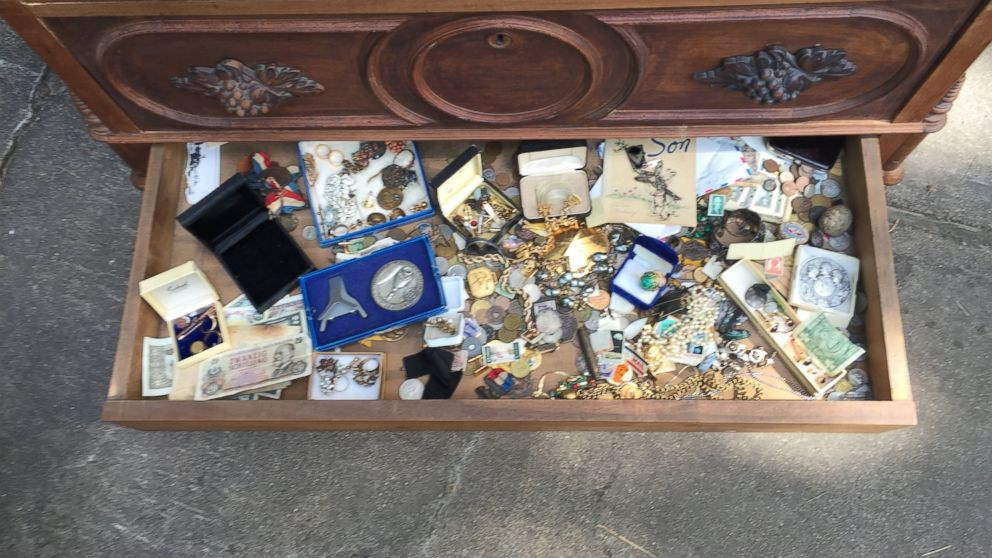 Texas Man Finds Treasure Hidden in Chest From Estate Sale - ABC News