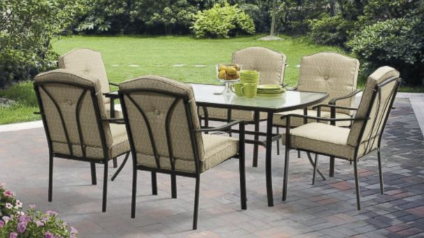 PHOTO: Walmart is offering this 7-piece Mainstays patio furniture set on sale as part of a spring promotion.