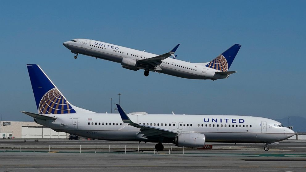 United Airlines shares lose altitude after weak 1Q forecast