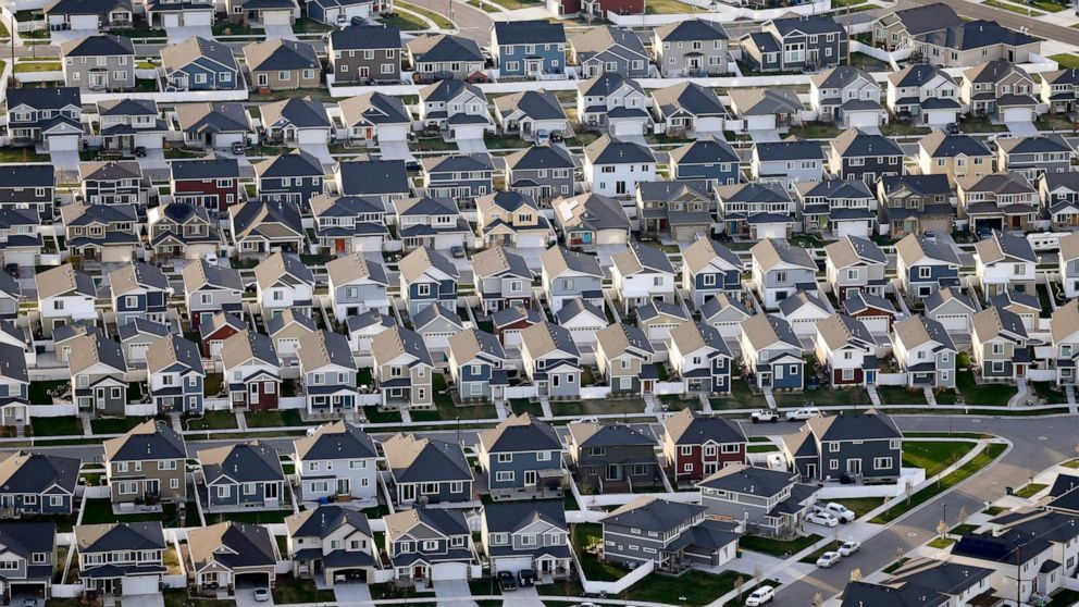 As mortgage rates drop, the trick is finding a house
