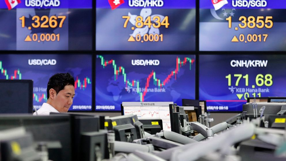 Asian shares rise as investors watch trade war, economies thumbnail