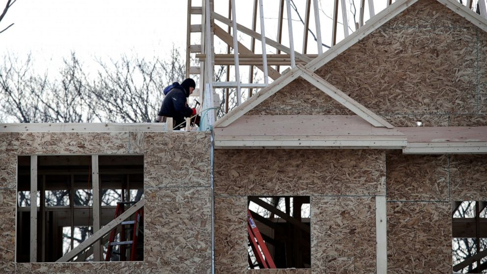 US home construction slips 0.3% in March