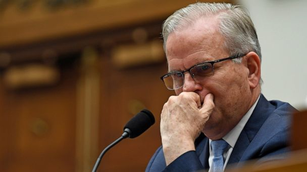 Senators clash with FAA officials over Boeing Max oversight