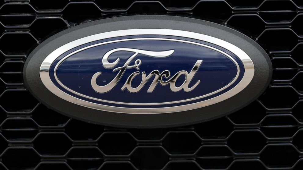 Ford is cutting 7,000 white-collar jobs thumbnail