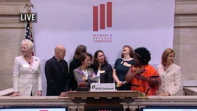 VIDEO: Bloombergs Ellen Braitman explains the tepid response by investors.