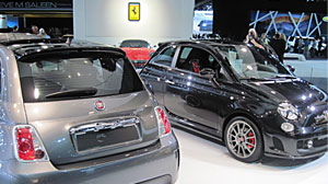 Photo: Chrysler Crashes at North American Auto Show: Bailed out company has meltdown in Detroit