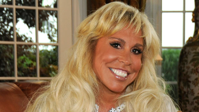 PHOTO: Barbara Walters interviews billionaire Lynn Tilton, one of the wealthiest financiers on Wall Street, at her New Jersey home, for 20/20 airing on the ABC Television Network.