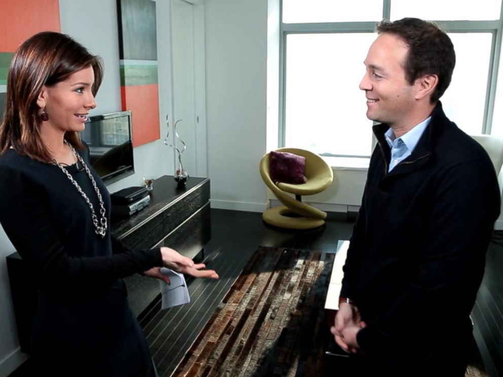 PHOTO: Zillow CEO Spencer Rascoff shares real estate tips with ABC News chief business and economics correspondent Rebecca Jarvis.