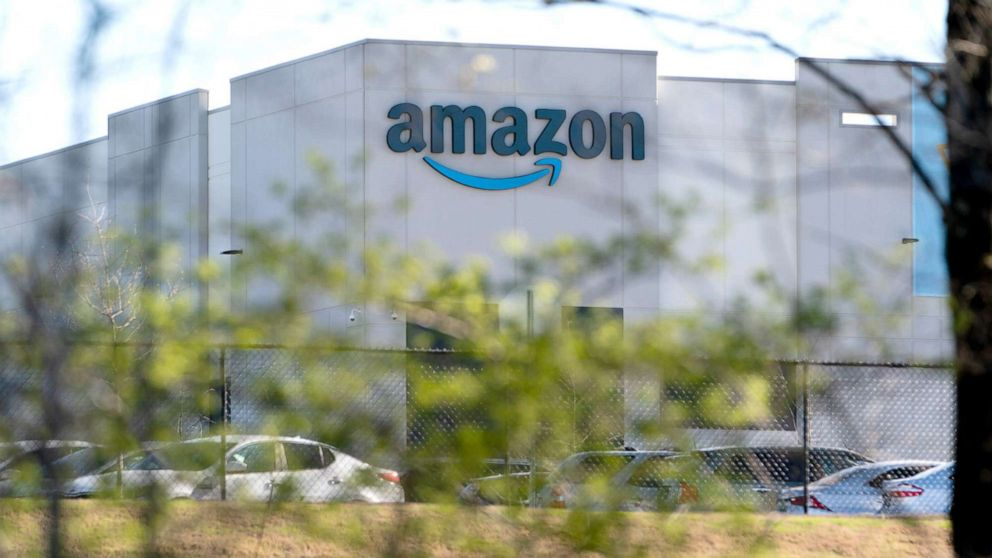 Alabama Amazon workers may see a union election rerun after NLRB official's recommendation