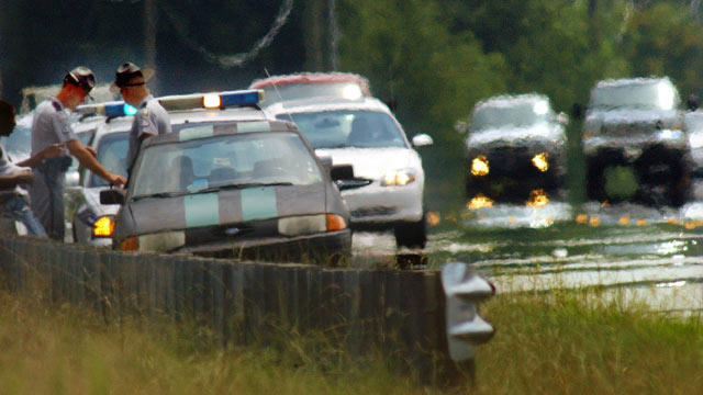 PHOTO: Two South Carolina troopers make a traffic stop on S.C. 81 North in Anderson, S.C.