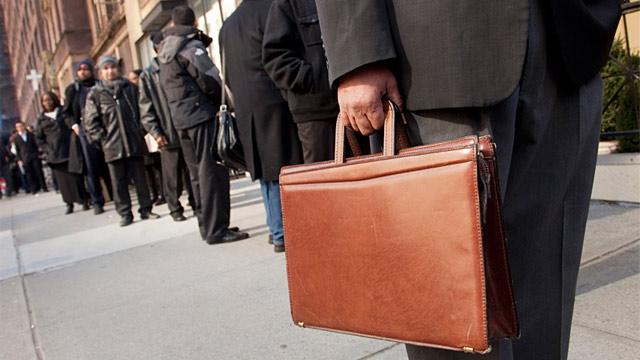 PHOTO: Job seekers