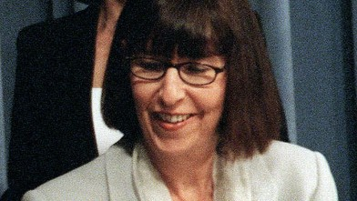 PHOTO: Linda Wolf is shown, June 27, 2000 during a news conference.