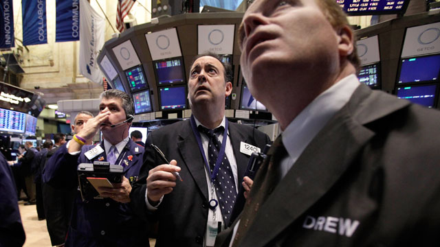 PHOTO: Traders work on the floor of the New York Stock Exchange, Nov. 21, 2011.