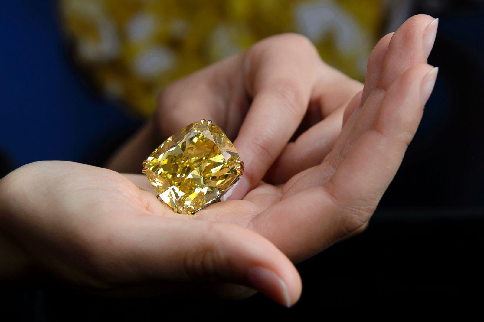 100 Carat Yellow Diamond Picture Precious Gems Around