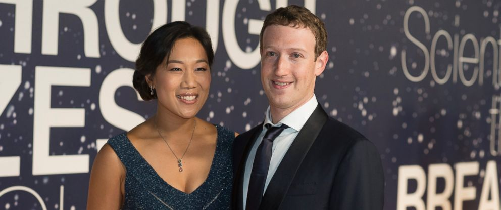 PHOTO: Priscilla Chan and Mark Zuckerberg arrive at the 2nd Annual Breakthrough Prize Award Ceremony at the NASA Ames Research Center on Sunday, Nov. 9, 2014 in Mountain View, California.