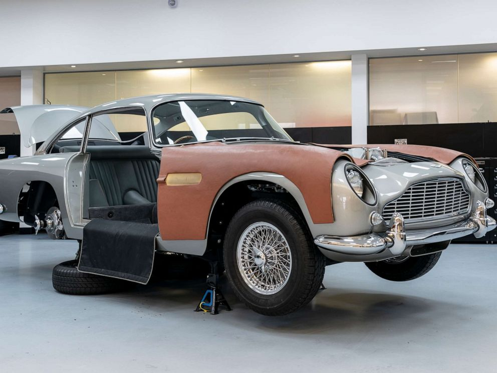 PHOTO: British luxury automaker Aston Martin is building 25 DB5 collector cars that will come with fully functioning gadgets as seen in the classic 1964 James Bond film, Goldfinger.