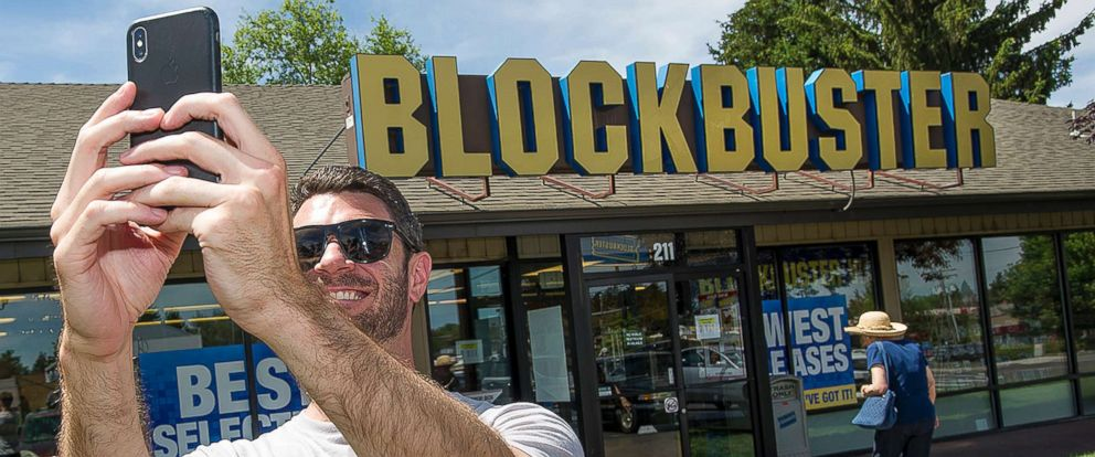 PHOTO: Scott Thornton takes a selfie in front of the Bend, Ore., Blockbuster, July 13, 2018. The Bend store is the last remaining Blockbuster in operation in the United States.