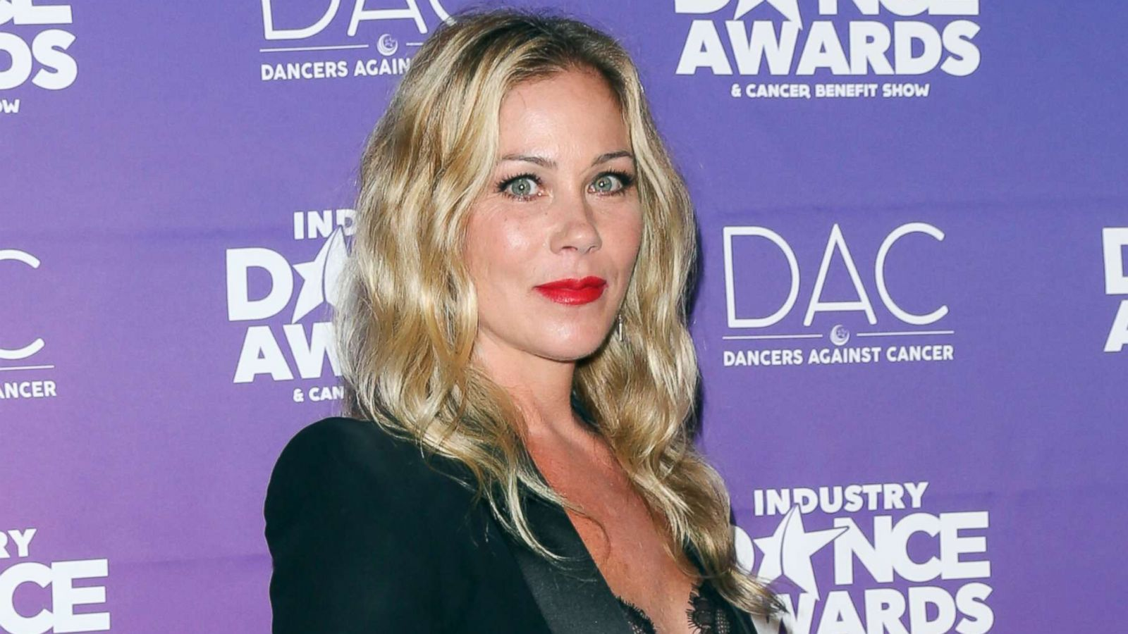 Communication on this topic: Bn?z, christina-applegate/