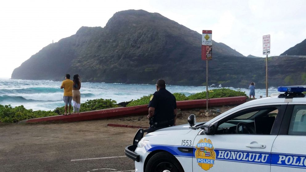 Hawaii reinstates strict Oahu shutdown as coronavirus cases surge thumbnail