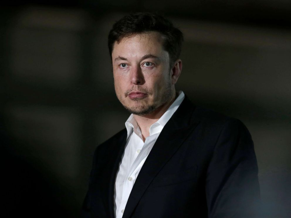 PHOTO: Tesla CEO and founder of the Boring Company Elon Musk speaks at a news conference in Chicago, June 14, 2018.