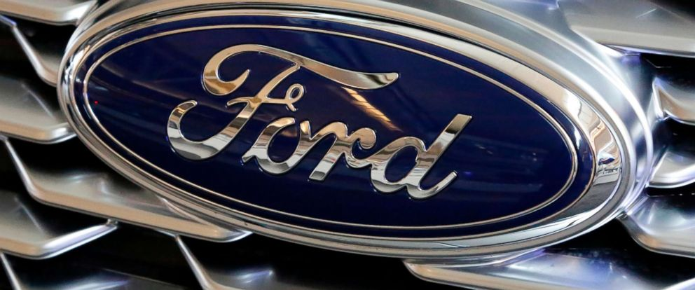 PHOTO: A Ford logo on the grill of a car on display at the Pittsburgh Auto Show, Feb. 15, 2018.