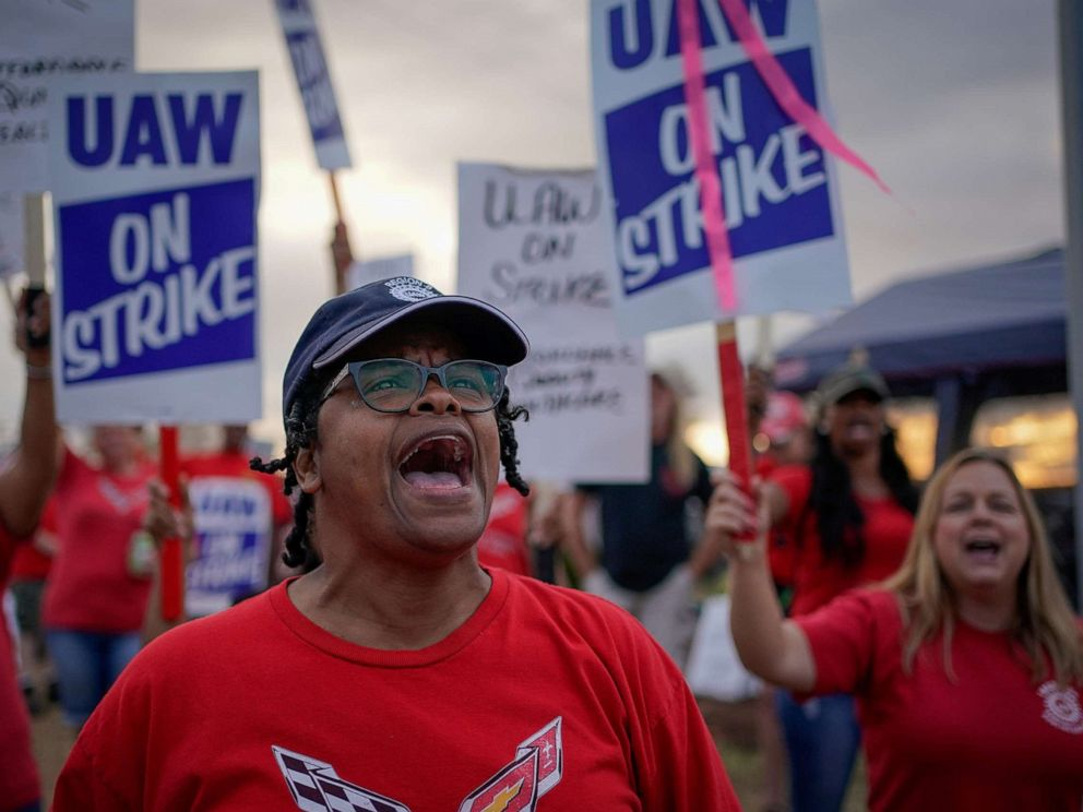 PHOTO: GM team leader Natalie Walker, 56, leads chants as General Motors assembly workers and their supporters protest during the United Auto Workers (UAW) national strike in Bowling Green, K.Y. on Sept. 20, 2019.