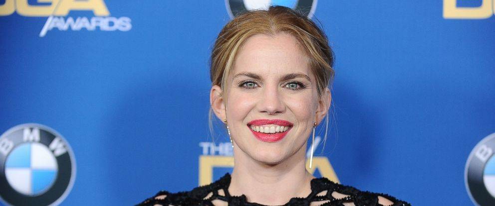 6 things you didn t know about veep star anna chlumsky abc news