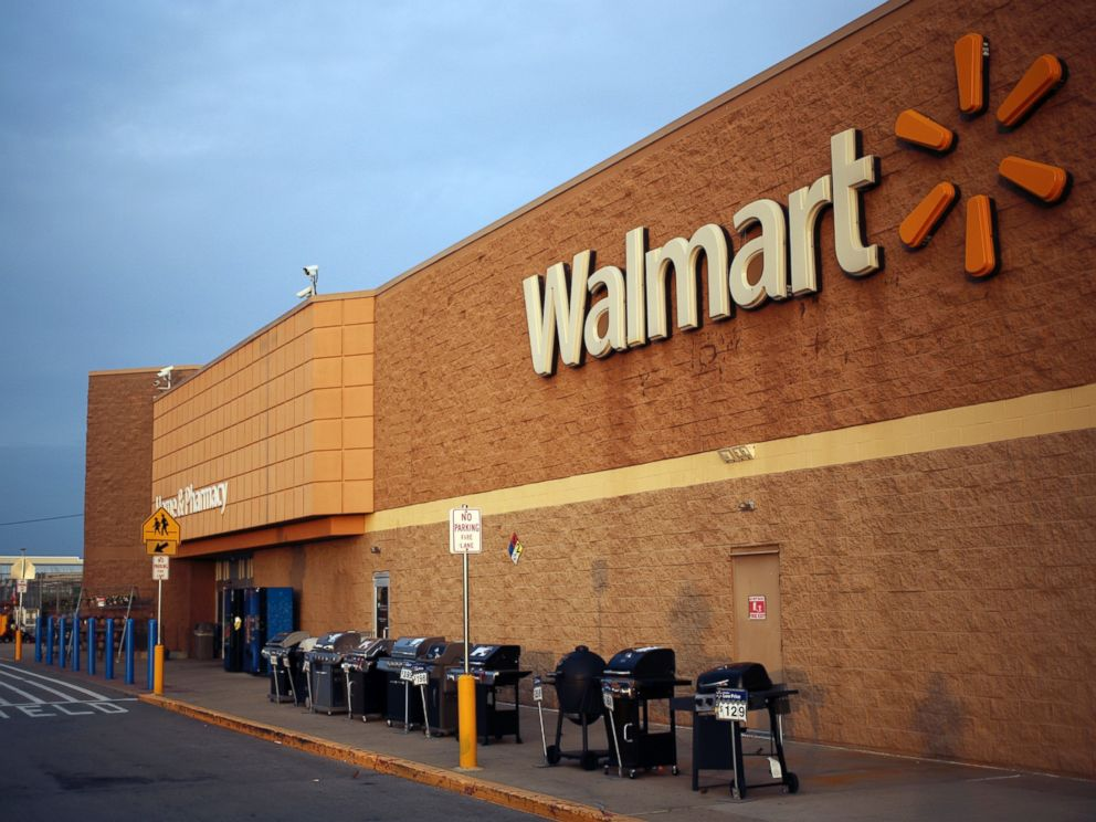 PHOTO: A Wal-Mart Stores Inc. is seen in this file photo, May 18, 2015 in Shelbyville, Ky.