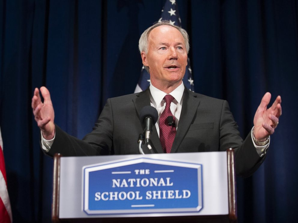 PHOTO: Asa Hutchinson announces the findings and recommendations of the National School Shield Program at the National Press Club in Washington, April 2, 2013.