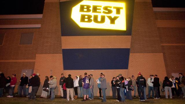 PHOTO: Crowds wrap around the Best Buy Eden Prairie store awaiting doorbuster deals at midnight for Black Friday on November 25, 2011 in Eden Prairie, Minnesota in this file photo.
