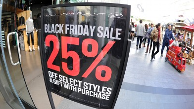 "PHOTO: People shop at the Century City shopping mall in Los Angeles, California, for the day after Thanksgiving ""Black Friday"" sales, Nov. 26, 2010."