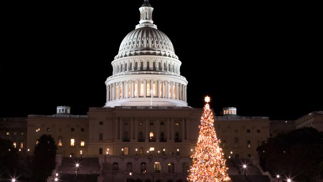 PHOTO: Consumer are more confident this holiday season despite looming fiscal cliff worries.
