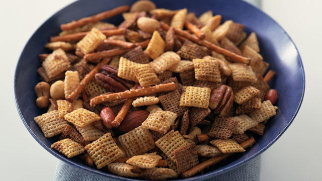 PHOTO: Chex mix contains Bha/BHT.