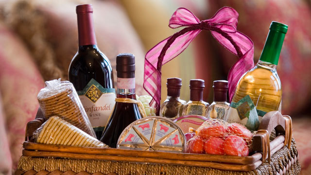 5 holidays gift ideas under 15 1 bonus idea abc news photo put together a small gift basket with a theme such as making breakfast negle Images