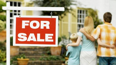 PHOTO: Real estate website Zillow.com conducted a survey and 42 percent of respondents thought homes went up in value 7 percent a year, when the real answer is 2 to 5 percent a year.