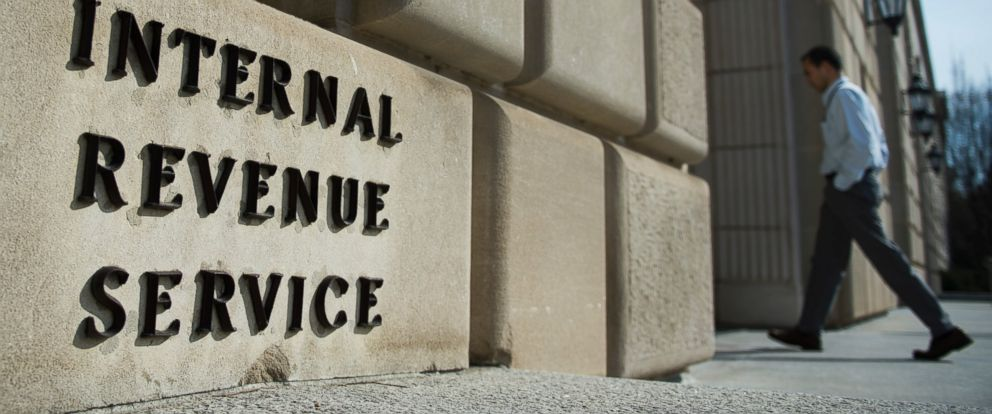 Turning the Tables on an IRS Scammer - ABC News