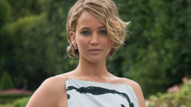 PHOTO: Actress Jennifer Lawrence wearing Dior day 2 of Paris Haute Couture Fashion Week Autumn/Winter 2014, on July 7, 2014 in Paris, France.