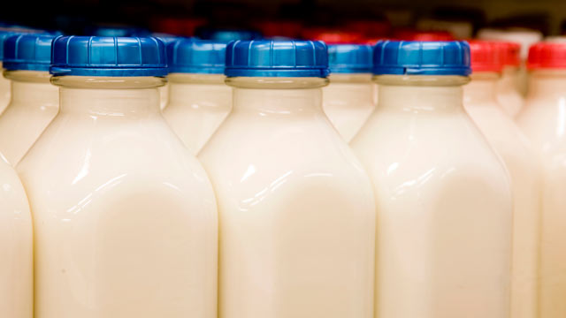 PHOTO: Non-organic dairy products contain rbst and rbgh.